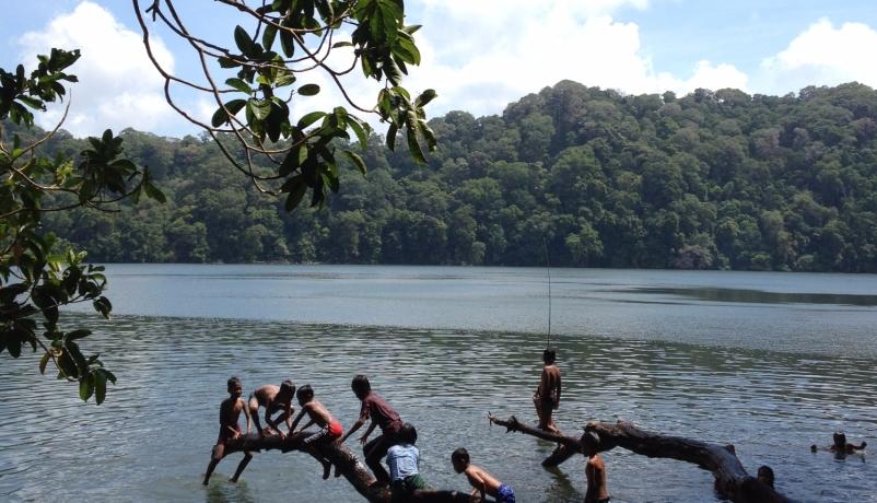 Sejarah Lengkap Terjadinya Danau Kastoba di Pulau Bawean