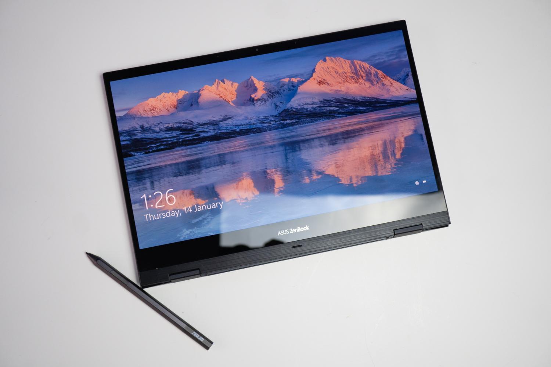 Asus Zenbook Flip S (UX371) : Laptop Serba Bisa
